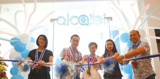 From left Charlotte Koa, Alcatel country manager, Jimmy Yap of Tekpone and his wife, Gaisano Mall of Davao's leasing representative, and Jonathan Janorabon, Alcatel channel manager