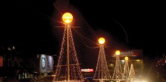 BRIGHT VICTORIA. Christmas lights illuminate the parking area of Victoria Plaza along J.P. Laurel Avenue in Davao City 15 days before Christmas day. LEAN DAVAL JR.
