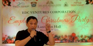 CENTERPIECE. EDC Ventures Corporation president Glenn Escandor delivers his Christmas message before the employees during the corporation's employees Christmas party held at The Royal Mandaya Hotel on Tuesday evening. LEAN DAVAL JR.