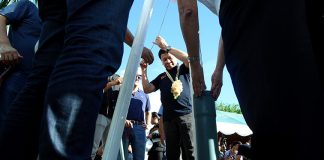 GROUNDBREAKING. President Duterte leads the groundbreaking ceremony of the Pulanai 10.6MW Hydroelectric Power plant in Barangay Lumbayao, Valencia City, Bukidnon on Friday. ROBINSON NIÑAL/Presidential Photo