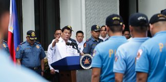 President Rodrigo Roa Duterte orders the police officers facing administrative charges to be detailed in Basilan for two years as they were presented to the President at Malacañang on February 7, 2017. The President gave the erring police officers 15 days to decide whether to resign or accept their re-assignment in Basilan. ROBINSON NIÑAL JR./Presidential Photo