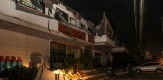 DAMAGED. The 6.7 magnitude earthquake late Friday evening (10 Feb 2017) damaged many buildings in Surigao City, including the façade of Parkway Hotel located at Km. 3 National Highway. Dozens of people were injured because of falling debris. MindaNews photo by Roel N. Catoto