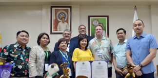 ECONOMIC PARTNERSHIP. The Filipino Chamber of Commerce of Hawaii, led by Council Chairperson Mr. Mel Rapozo and Mayor Bernard P. Carvalho Jr., visits Davao City to explore possible economic partnership. The delegation pays a courtesy call Saturday morning at the Davao City Hall and received by city hall officials led by Chief of Staff of Mayor Sara Duterte, Atty. Raul Nadela Jr., City Administrator Atty. Zuleika T. Lopez, Assistant City Administrator Atty. Tristan Dwight Domingo, Atty. Lawrence Bantiding, DCIPC chief Lemuel Ortonio and City Information Officer Jefry M. Tupas. (CIO Photo)