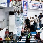 SLAM. Ben Mbala of TRMH-CMO De La Salle goes up for a slam. LEAN DAVAL JR.