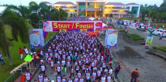 """BAYANI RUN. More than 8,000 runners and registrants join the """"Bayani Run: One Comval. One Vision."""" fun run on March 5, 2017 as the province celebrates its 10th Bulawan Festival and 19th Founding Anniversary from March 4-8, 2017. (M. Lasaca/IDS ComVal)"""