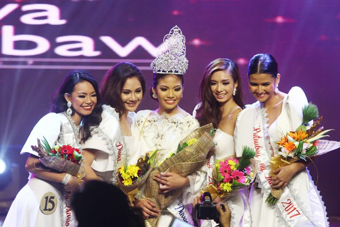 (L-R) Pag-asa ng Dabaw Marjorie Ormido, Diwa ng Dabaw Carly Jane Chua, Mutya ng Dabaw 2017 Reina Kobayashi, Sinag ng Dabaw Geanne Claire Lu and Patnubay ng Dabaw Angelique Pasion. Kobayashi outshined 28 other candidates during the coronation night on Wednesday. Mindanews Photo