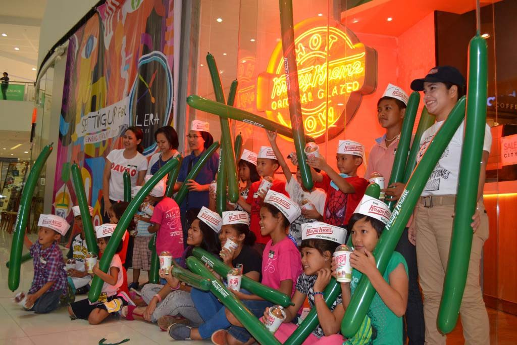 Store visit. Krispy Kreme SM City Davao opens its doors to kids of Providence Home of St. Joseph as it hosts a fun doughnut tour on Araw ng Dabaw (March 16, 2017). JERMAINE L. DELA CRUZ