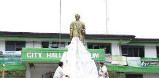 RIZAL MONUMENT. Tagum City Mayor Allan Rellon and Former SC Chief Justice Reynato Puno lead the unveiling of the city's newest Rizal Monument fronting the former City Hall and alongside the Rizal Street. (Jay Apostol/CIO Tagum)