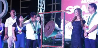 MUSIKAHAN. Mayor Allan Rellon hits the gong signifying the formal opening of this year's Musikahan Festival. The musical revelry is part of the 5-in-1 Celebration of Tagum City that will run until March 07, 2017. (Leo Timogan/CIO Tagum)