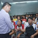 "GENSAN VISIT. Senator Juan Edgardo ""Sonny"" Angara, an advocate of education, visits the scholars of Edukasyon Alang sa mga Kabus nga Residente sa Gensan (EDUKAR Gensan), a program under the office of the city mayor of General Santos City. (Gensan CPIO/Jan Rey Libunao)"
