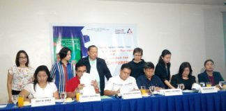 INKED. Department of Labor and Employment XI (DOLE XI) Regional Director Raymundo Agravante (seated 3rd from the left) inked a memorandum of agreement (MOA) with partners on Tuesday for the series of events in line with 2017 Trabaho, Negosyo, Kabuhayan Fairs starting April 26 to May 2, 2017.