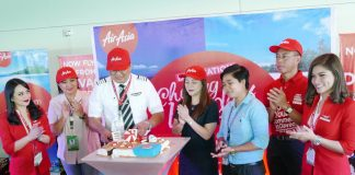 AIRASIA'S NEW FLIGTH ROUTES. Officials of AirAsia, vote the world's best low-cost carrier (LCC) by Skytrax for eight years in row, launched new routes from Davao –to Caticlan/Boracay, CebuPalawan and Clark, during a send-off celebration at the Francisco Bangoy International Airport Saturday morning. Capt. Gomer Manreal, Philippine AirAsia Director of Flight Operation and operating pilot, cuts the cake, with Davao City Tourism Officer Generose Tecson, Davao City Councilor April Dayap, an official of the Civil Aviation Authority of the Philippines (CAAP), Benjie Lizada, executive committee chairman of the Visit Davao Fun Sale. They are joined by two lady members of the cabin crew. (Kenneth Ong/Edge Davao)