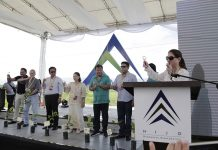 Rosanna Tuason-Fores, CEO and President of Hijo Resources Corporation, leads the ceremonial toast of the groundbreaking ceremony of the Hijo Industrial Estates last June 16, 2017. Together with her are Ed Abores, Vicente O. Reyes, Sansaluna A. Pinagayao, Ambassador to the Holy See Mercedes A. Tuason, House Speaker Pantaleon Alvarez, Davao del Norte Governor Anthony del Rosarion and Tagum City Vice Mayor Geterito Gementiza. Leo Timogan/CIO Tagum