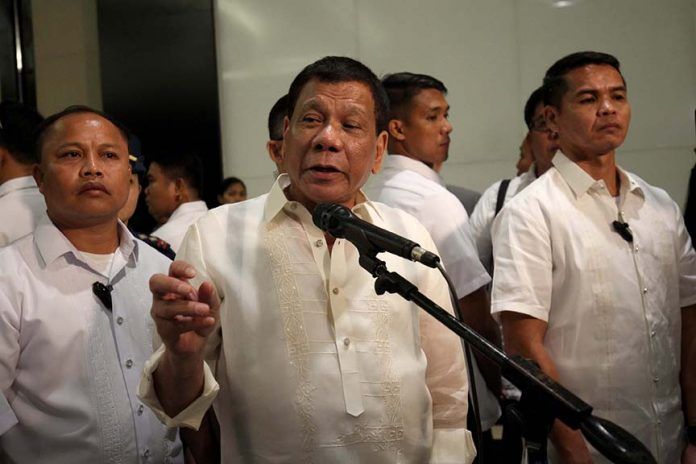 UNDERSCORING. President Duterte gestures as he stresses a point in a news conference after his speech during the Davao Investment Conference (Davao ICON) 2017 last week. The chief executive officer of Air Asia, Tan Sri Anthony Francis Fernandes, recently lauded the Duterte administration for its efforts in addressing air connectivity and in promoting tourism in the ASEAN region. LEAN DAVAL JR.