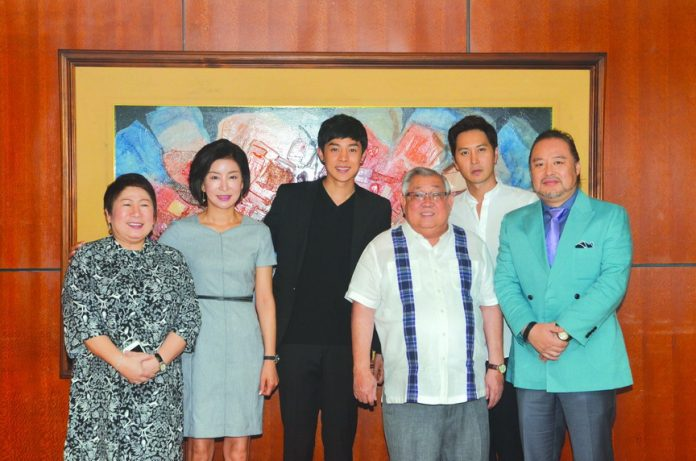 From left to right - GMA SVP for ETV Lilybeth G. Rasonable, Michelle Oh, Alexander Lee, GMA Chairman and CEO Atty. Felipe L. Gozon, David Kim, Jerry Lee