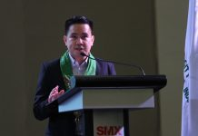 ENCOURAGING WORDS. Department of Agriculture assistant secretary Waldo Carpio gives an inspirational speech during the opening of the 19th Davao Agri Trade Expo (DATE) at SMX Convention Center in Lanang, Davao City on Thursday. LEAN DAVAL JR