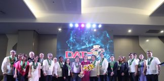 ALL IN ONE. Davao City Chamber of Commerce and Industry, Inc. officers, past presidents, past chairmen and members of the board of trustees do the traditional group photo with guests of honor led by Davao City Mayor Sara Duterte-Carpio during the opening of the 19th Davao Agri Trade Expo (DATE) at SMX Convention Center in Lanang, Davao City on Thursday. LEAN DAVAL JR
