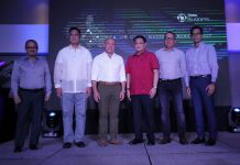 NEW FACILITY. Secretary Martin Andanar (left) of Presidential Communications and Operations Office graces the launching of Globe SEA-US cable commercial landing held at Seda Abreeza Hotel on Friday. Andanar posed for a photo with Globe Telecommunications president and chief executive officer Ernest Cu (third from left), chief of commercial officer Albert de Larrazabal (leftmost), chief of legal counsel lawyer Froilan Castelo (second from right), senior vice president for enterprise group Peter Maguera (rightmost) and National Telecommunications Commission (NTC) commissioner Gamaliel Cordoba (third from right). LEAN DAVAL JR