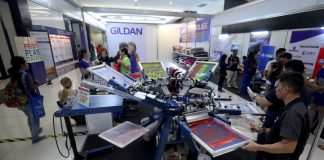 PRINTING MACHINE. Technicians demonstrate the features and capability of a state-of-the-art printing machine during the last day of PHILCONSTRUCT Mindanao and Manufacturing Technology Davao 2017 at SMX Convention Center in Lanang, Davao City on Sunday afternoon. LEAN DAVAL JR.