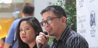 FUNCTIONS EXPLAINED. Commission on Filipinos Overseas emigrant officer 2 Allan Paul Ducusin and fellow emigrant officer 2 Ma. Camille Lacabaprovide the overview of the agency and its functions during KapehansaDabaw at the Annex of SM City Davao on Monday. LEAN DAVAL JR.