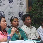 MODEL FAMILY.Department of social Welfare and Development (DSWD) 11 director Mercidita Habagat (leftmost) introduces the Bentua Family from Sto. Tomas,Davao Del Norte who recently won the regional search for HuwarangPamilya2017 during KapehansaDabawat the Annex of SMCity Davao on Monday. LEAN DAVAL JR.