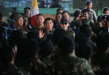 BOOSTING THE TROOPS.President Duterte talks to the soldiers in his latest visit to Marawi City. The President declared the liberation of Marawi City from ISIS-inspired Maute group on Tuesday after the military killed Abu Sayyaf leader Isnilon Hapilon and Omar Maute of the Maute group early morning of Monday. PRESIDENTIAL PHOTO