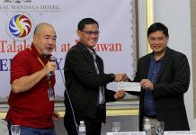 REVENUE SHARE. Philippine Charity Sweepstakes Office (PCSO) chairman Jose Jorge Corpuz (left) and general manager Alexander Balutan (center) turn over a check worth P251,000 to Davao City represented by assistant city administrator lawyer Lawrence Batinding. The money was a 3 percent share of the city government of Davao from the revenue of PCSO's Small Time Lottery (STL) operator Authorized Agents Corporation (AAC) for the month of September. The turn over ceremony was held during PCSO's Sama Samang Talakayan at Linawan at The Royal Mandaya Hotel on Thursday. LEAN DAVAL JR.
