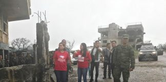 FIRST-HAND ASSESSMENT. Davao City Mayor Sara Duterte-Carpio, together with Taguig City Mayor Ma. Laarni Cayetano, visits the main battle area in Marawi City on Thursday. Duterte-Carpio and Cayetano were in Marawi to assess the intervention their group, the Tapang at Malasakit Alliance for the Philippines, can provide to the city and its residents and to personally hand over the two cities' assistance of P5 million each. Photo courtesy of CIO/JefryTupas