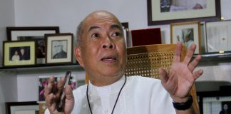 CHURCH VIEWPOINT. Incoming Catholic Bishops' Conference of the Philippines (CBCP) president Davao Archbishop Romulo Valles gestures as he interacts with members of local media during a news conference in this undated photo. Valles said during a mass last Sunday that drug-related killings are terrible but urged the public to inspire the police and remind them to adhere to the rule of law instead of just condemning them. LEAN DAVAL JR.