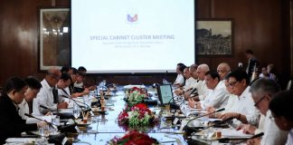 PRESSING ISSUES ON THE TABLE. President Rodrigo Duterte presides over the cabinet cluster meeting at the Malacañan Palace on Monday. Among the issues discussed are the rehabilitation efforts in Marawi City including the health, livelihood and housing projects for the residents and the wounded government security forces. Also tackled in the meeting are the updates on the PH-Japan Defense Cooperation as well as the proposed Enhanced Comprehensive Local Integration Program. PRESIDENTIAL PHOTO