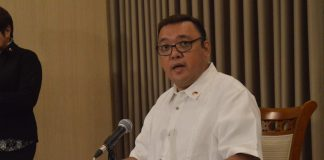WITH CERTAINTY. Presidential spokesperson Atty. Harry Roque, discussed the substantial growth of the economy for the year 2017 during the press briefing at Panacan, Davao City on Monday. ANGIE SAVERON