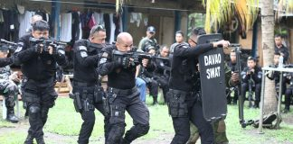 Members of the Special Weapons and Tactics (SWAT) under the Davao City Police Office hone their tactical skills on Thursday ( 14 December 2017) as part of their security strengthening efforts in the city. Mindanews Photo