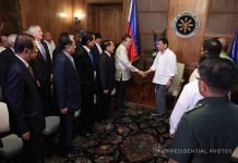 PAYING RESPECTS. President Rodrigo Duterte greets the members of the Pinnacle Club of ASEAN who paid a courtesy call on him at Malacañan Palace on Wednesday. PRESIDENTIAL PHOTO