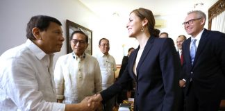 President Rodrigo Roa Duterte welcomes Norwegian Special Envoy to the Peace Process Between the Government of the Philippines and the National Democratic Front of the Philippines Idun Tvedt as the latter paid a courtesy call on the President at the Presidential Guest House in Davao City on February 15, 2018. Also in the photo are Presidential Adviser on the Peace Process Jesus Dureza.-Karl Norman Alonzo/Presidential Photo