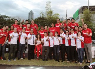 Phoenix Petroleum Management Team led by Chairman Domingo Uy and COO Henry Albert Fadullon reveal the company's newest offering for motorists, the Phoenix PULSE Technology, in a media launch at City Kart Makati on February 12, 2018. They are joined by the face of Phoenix PULSE Technology–Rhian Ramos and the company's PBA Team–the Phoenix Fuel Masters.