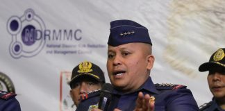 RATING THE FIELD. Philippine National Police (PNP) Director General Ronald Dela Rosa gives his assessment on the performance of the authorities after a terrorists attack simulation exercise ofWednesday's Southern Storm held at Abreeza mall. LEAN DAVAL JR