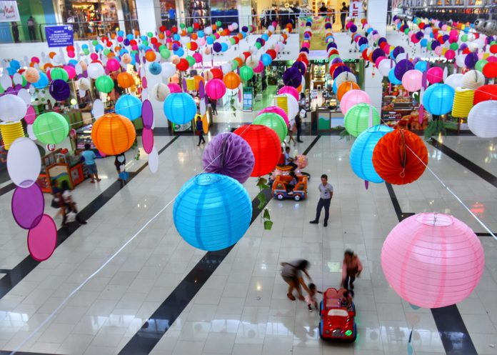Colorful paper lanterns adorn the activity center of Abreeza mall as it prepares for its summer workshops starting April 16. LEAN DAVAL JR