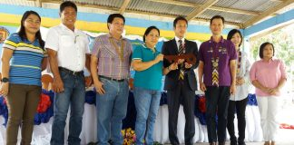 Hiroyuki Enoki (3rd from right), the First Secretary and Labour Attache of the Embassy of Japan and Gov. Daisy Avance-Fuentes (2nd from left) led the cutting of ribbon during the turn-over of the three units of two-classroom buildings in Dumadalig, Tantangan, South Cotabato last November 25, 2016. ALEXANDER LOPEZ