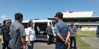 TOUCHING BASE. Vice President Leni Robredo arrives at the Mati City Airport in Davao Oriental to attend the reunion of the Gerona Clan in the town of San Isidro yesterday. ARMANDO B. FENEQUITO JR.