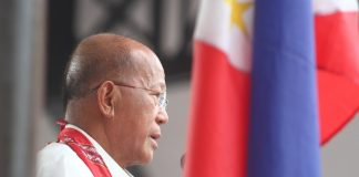 Defense Secretary Delfin Lorenzana delivers his message during the 119th Independence Day celebration in Davao City on Monday (12 June 2017). Mindanews Photo