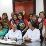 Rotary Club of Waling-Waling Davao launches community service projects. (From L, seated) RI 3860 District Gov. Art O. Tan, RCWWD represented by club president Elisa D. Evangelista-Lapiña, and San Pedro College president Sr. Aida T. Frencillo, O.P. signed the Memorandum of Understanding to officially turn-over the ophthalmic equipment.