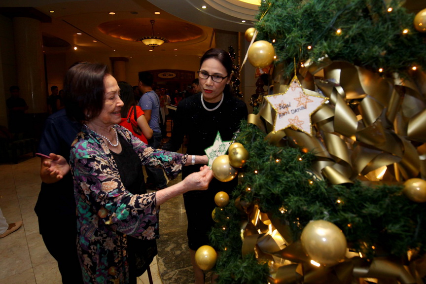 A Star For Christmas.Star For A Cause Marco Polo Davao General Manager Dottie