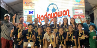 The Dalagang Filipina squad of Cotabato City won the women;s title of the 2019 Kadayawan Football Festival. At left is organizer Buboy Arrieta.