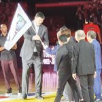 China's Yao Ming turns over the World Cup banner to SBP chairman emeritus Manny V. Pangilinan. SBP photo